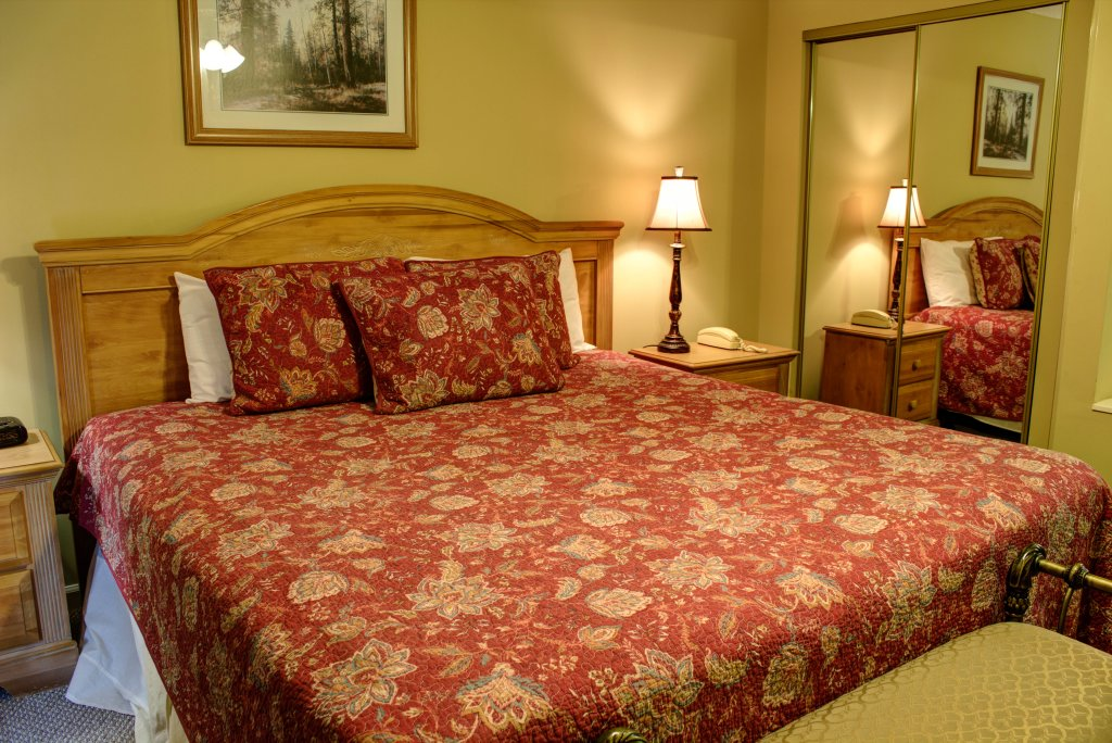 Photo of a Pigeon Forge Condo named Whispering Pines 352hc - This is the twentieth photo in the set.