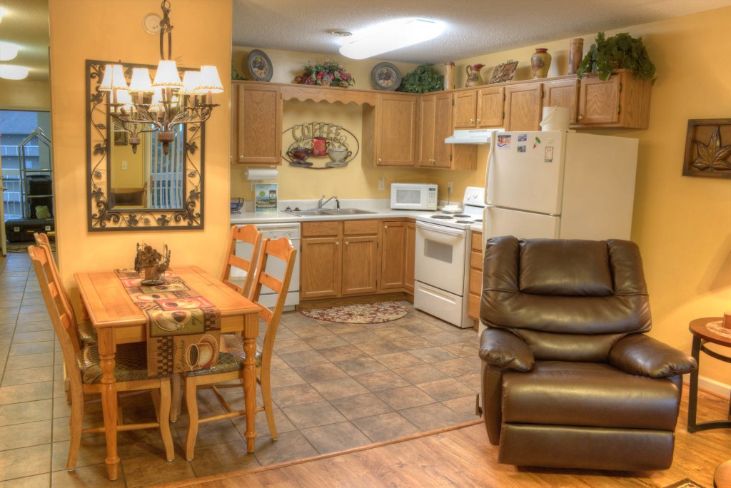 Photo of a Pigeon Forge Condo named Whispering Pines 141 - This is the sixteenth photo in the set.