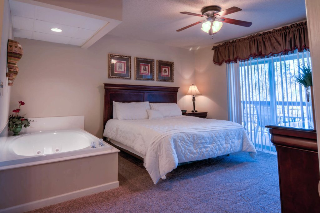 Photo of a Pigeon Forge Condo named Cedar Lodge 201 - This is the sixteenth photo in the set.