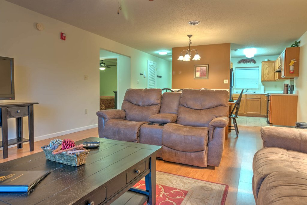 Photo of a Pigeon Forge Condo named Cedar Lodge 703 - This is the first photo in the set.