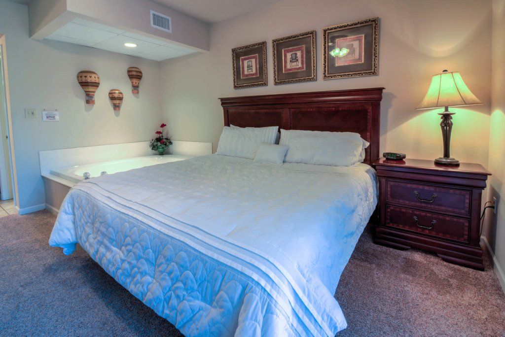 Photo of a Pigeon Forge Condo named Cedar Lodge 201 - This is the nineteenth photo in the set.