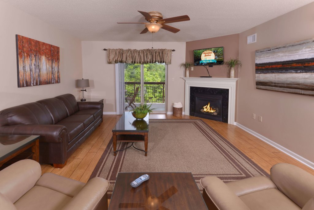 Photo of a Pigeon Forge Condo named Cedar Lodge 504 - This is the first photo in the set.
