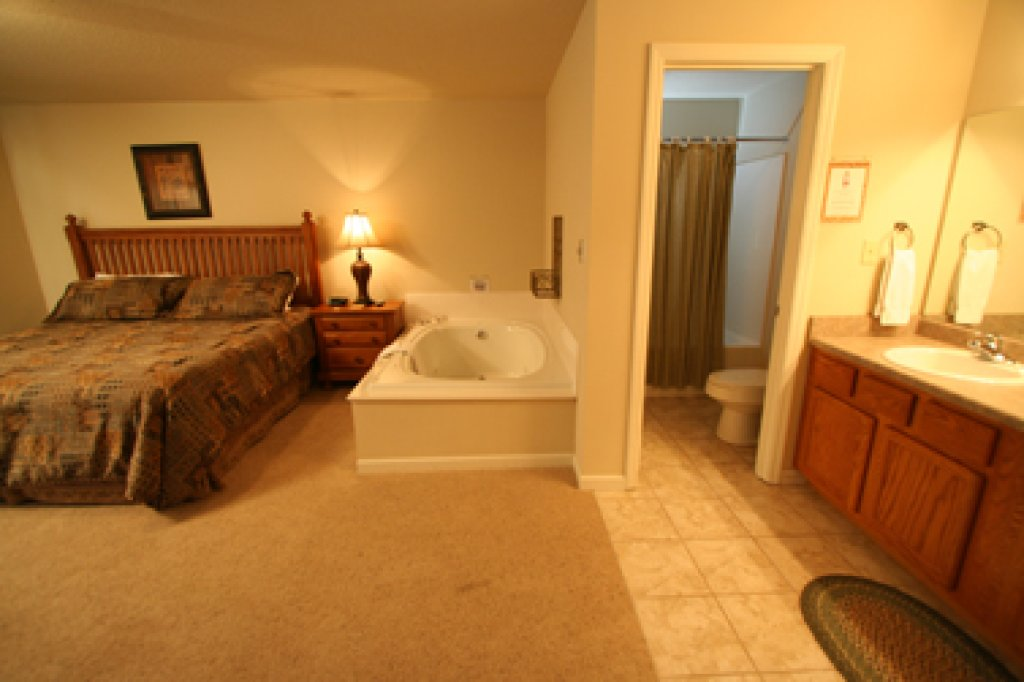 Photo of a Pigeon Forge Condo named Cedar Lodge 705 - This is the fourteenth photo in the set.