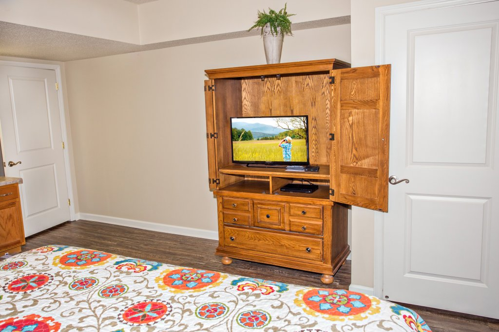 Photo of a Pigeon Forge Condo named Cedar Lodge 303 - This is the twelfth photo in the set.