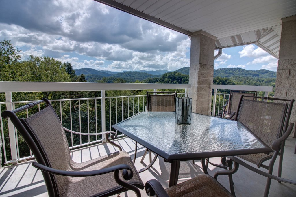 Photo of a Pigeon Forge Condo named Whispering Pines 354 - This is the fourteenth photo in the set.