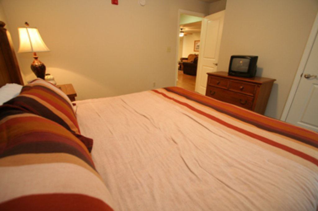 Photo of a Pigeon Forge Condo named Cedar Lodge 705 - This is the nineteenth photo in the set.