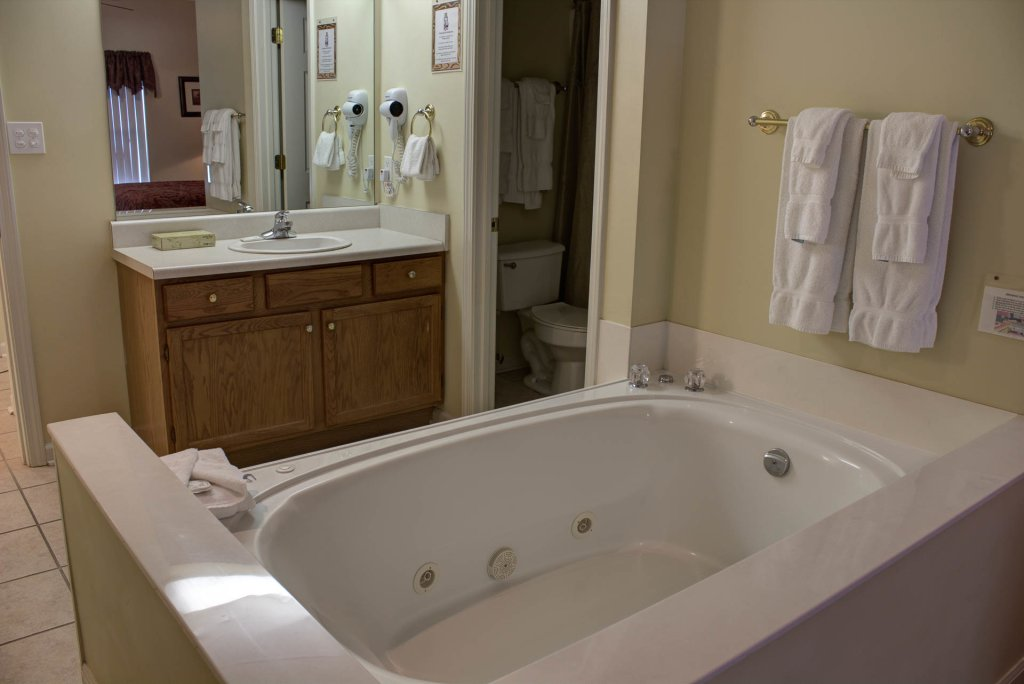 Photo of a Pigeon Forge Condo named Whispering Pines 422 - This is the twentieth photo in the set.