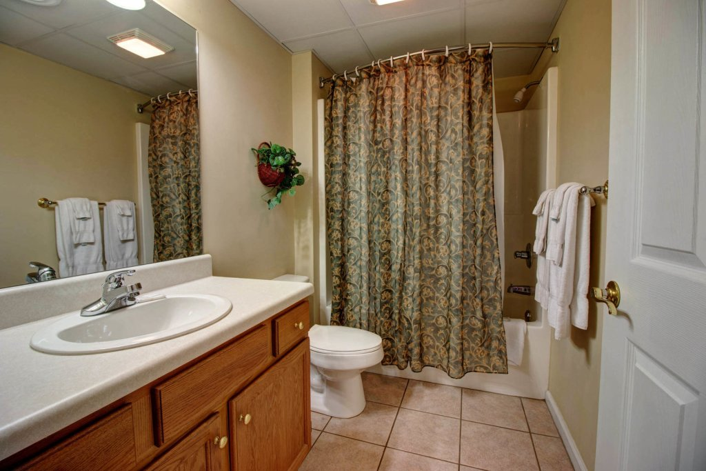 Photo of a Pigeon Forge Condo named Whispering Pines 423 - This is the twenty-third photo in the set.