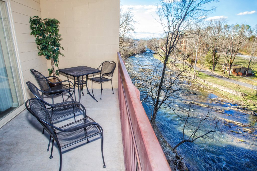 Photo of a Pigeon Forge Condo named Cedar Lodge 303 - This is the eighth photo in the set.