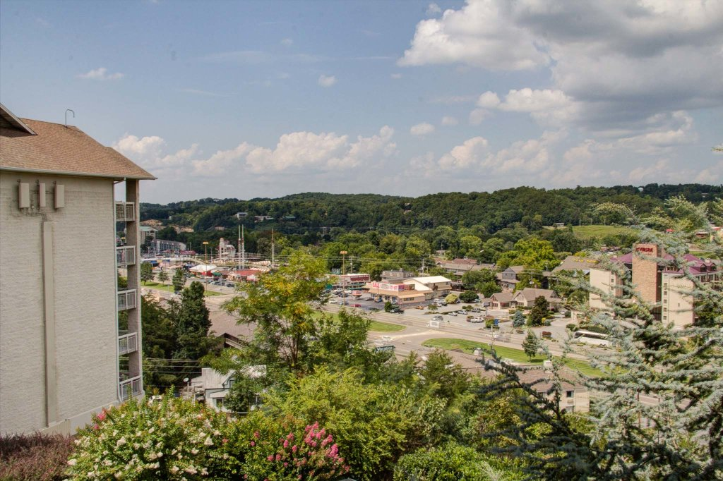 Photo of a Pigeon Forge Condo named Whispering Pines 422 - This is the fourth photo in the set.