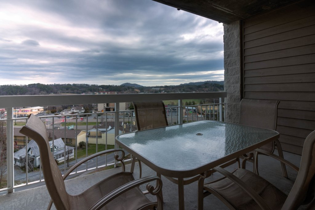Photo of a Pigeon Forge Condo named Whispering Pines 224 - This is the second photo in the set.