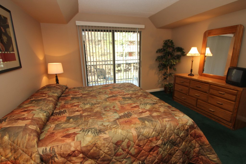 Photo of a Gatlinburg Condo named Level One, Great River View - 102 - This is the fifth photo in the set.