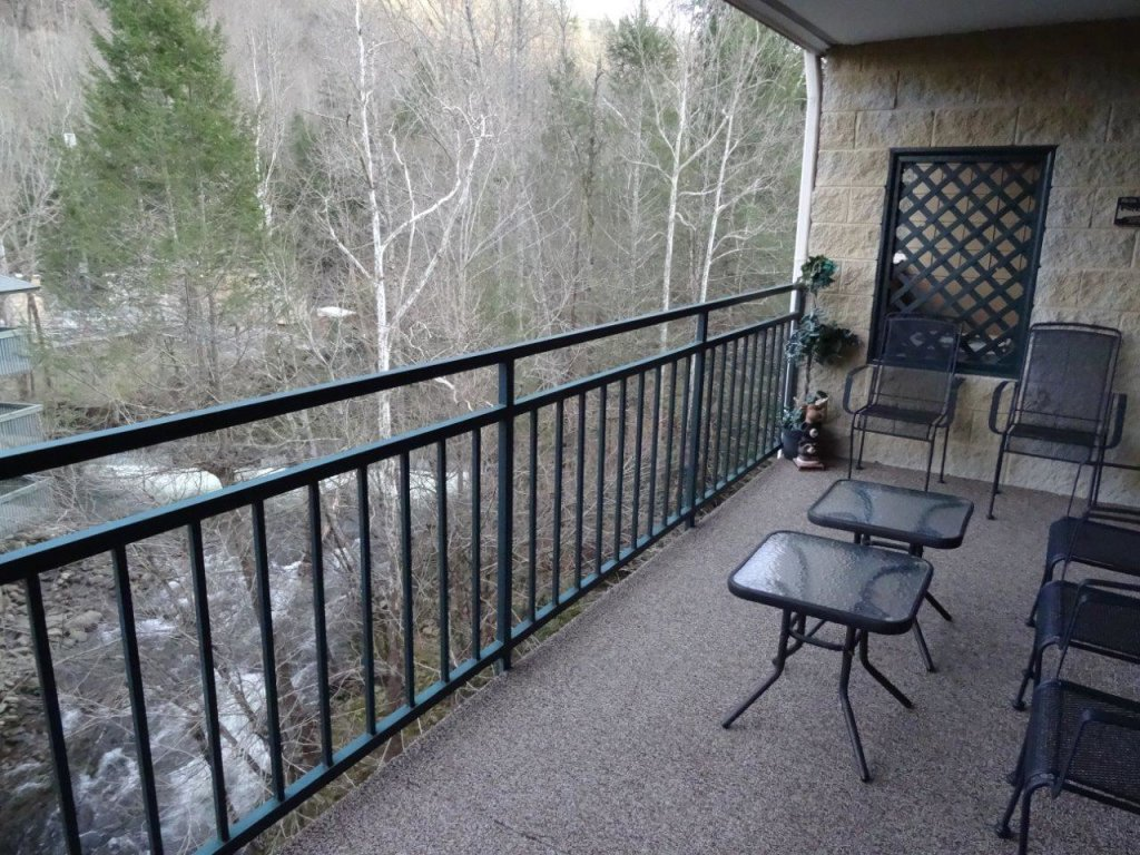 Photo of a Gatlinburg Condo named Level Four, Great River View - 404 - This is the fifteenth photo in the set.