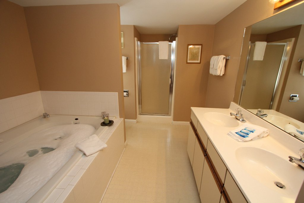Photo of a Gatlinburg Condo named Level Four, Great River View - 402 - This is the sixth photo in the set.