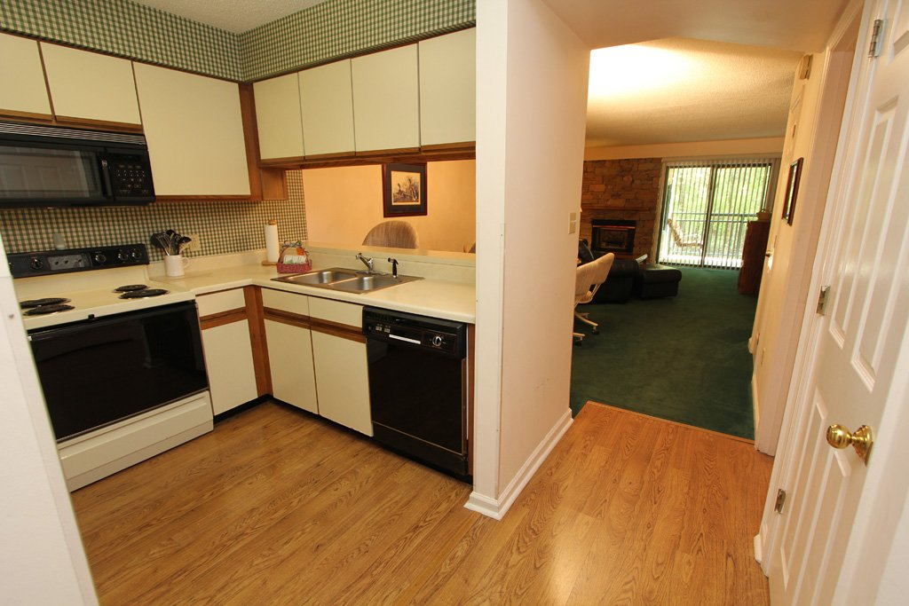 Photo of a Gatlinburg Condo named Level One, Great River View - 111 - This is the fifth photo in the set.