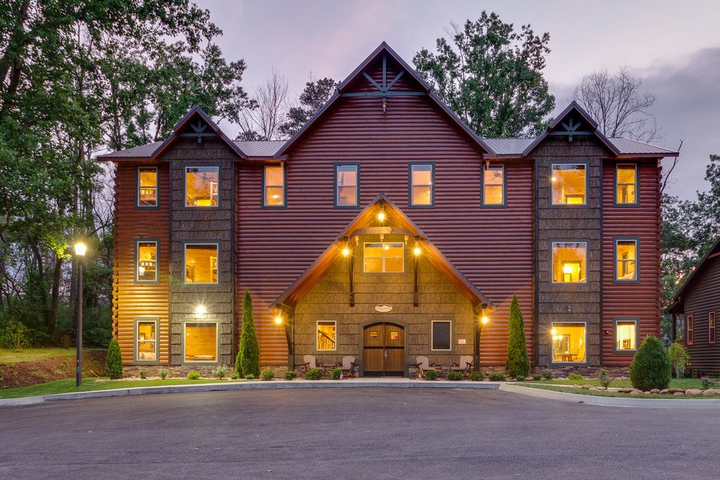 Photo of a Gatlinburg Cabin named The Big Oak Lodge - This is the second photo in the set.
