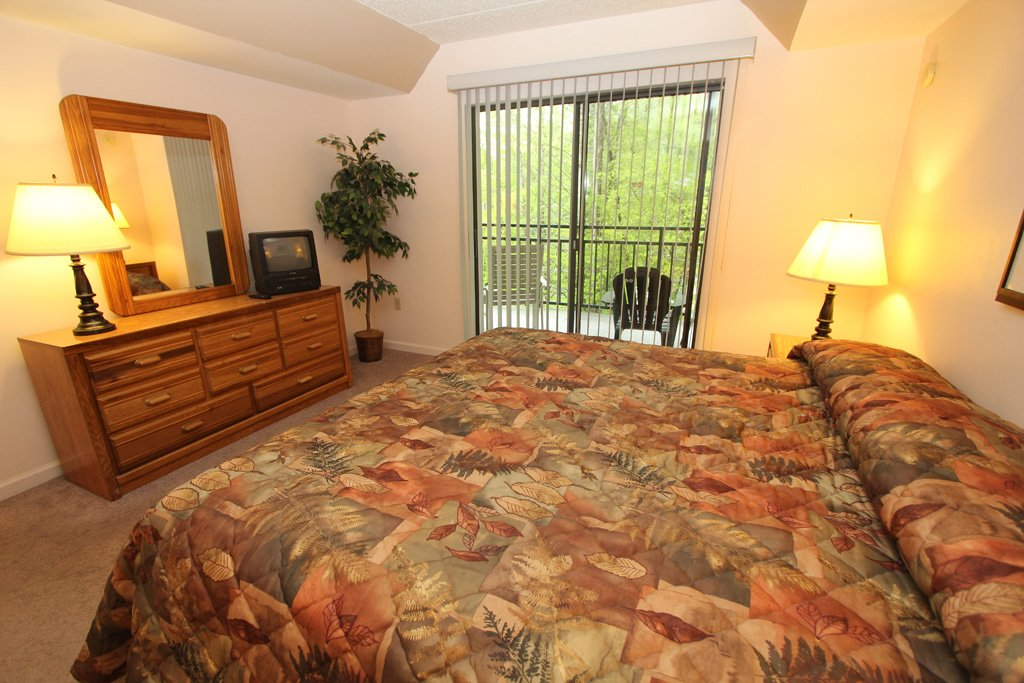 Photo of a Gatlinburg Condo named Level One, Great River View - 105 - This is the fifth photo in the set.