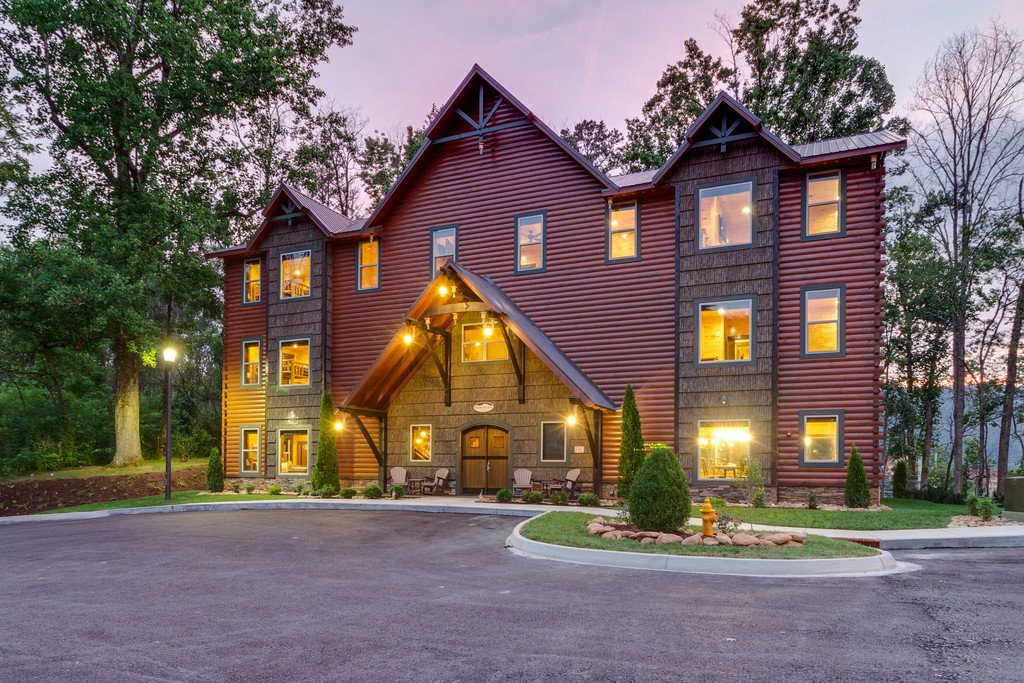 Photo of a Gatlinburg Cabin named The Big Oak Lodge - This is the first photo in the set.