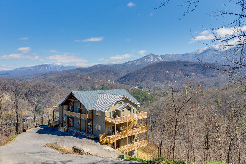 Photo of a Gatlinburg Cabin named Majestic Overlook - This is the one hundred and thirty-ninth photo in the set.