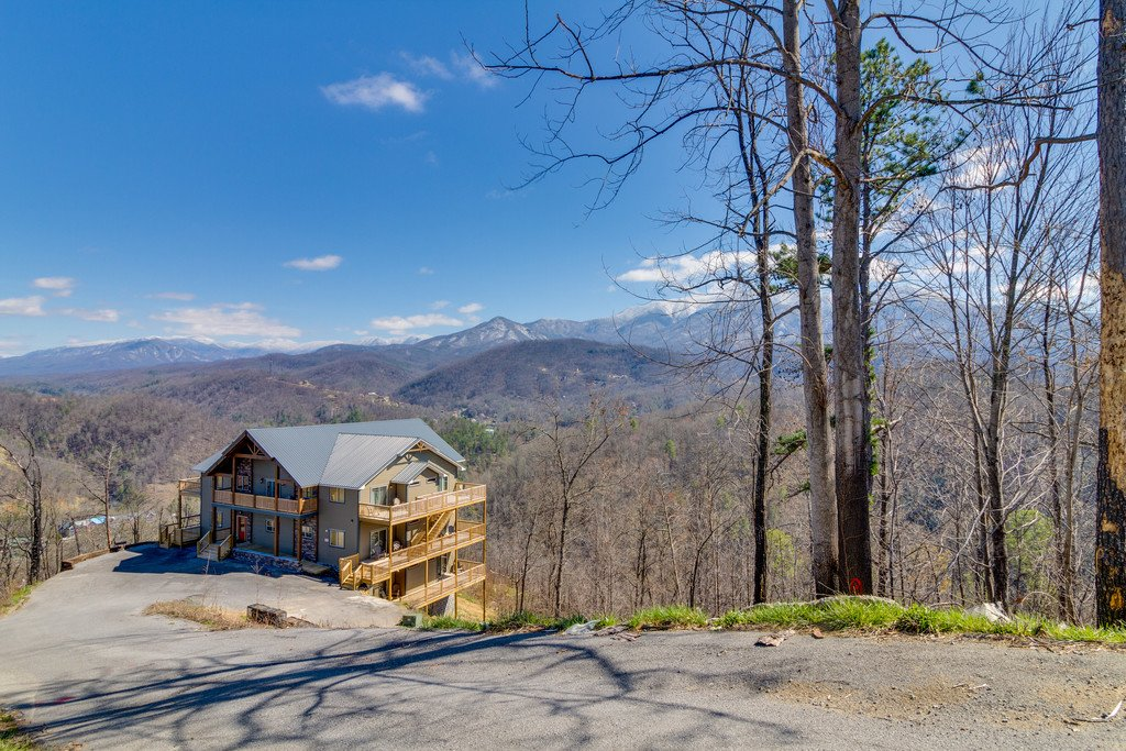 Photo of a Gatlinburg Cabin named Majestic Overlook - This is the one hundred and forty-first photo in the set.