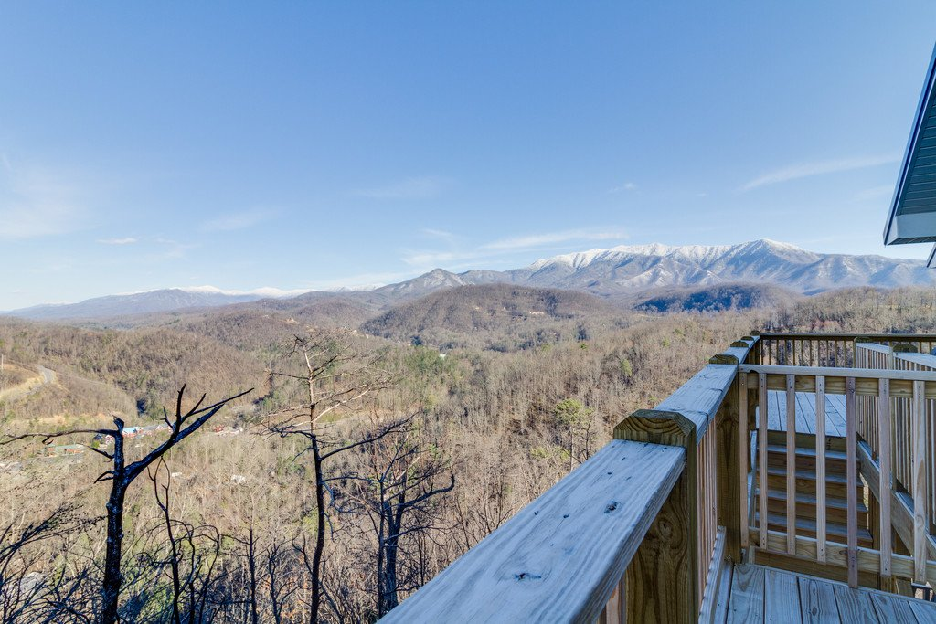 Photo of a Gatlinburg Cabin named Majestic Overlook - This is the eighty-third photo in the set.