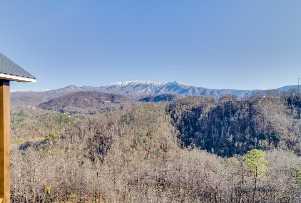 Photo of a Gatlinburg Cabin named Majestic Overlook - This is the ninetieth photo in the set.