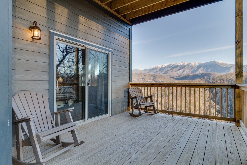 Photo of a Gatlinburg Cabin named Majestic Overlook - This is the one hundred and twenty-second photo in the set.