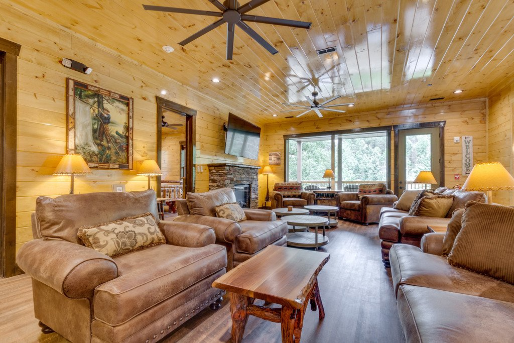 Photo of a Gatlinburg Cabin named The Majestic Pine Retreat - This is the tenth photo in the set.