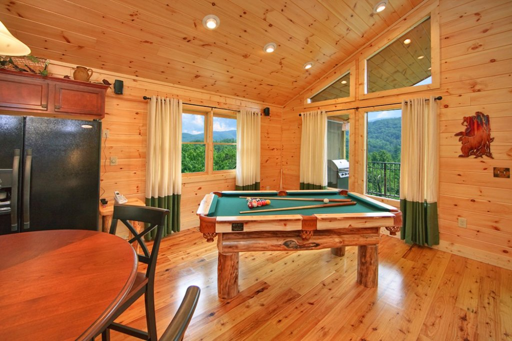 Photo of a Gatlinburg Cabin named Mountain Hideaway - This is the fifth photo in the set.