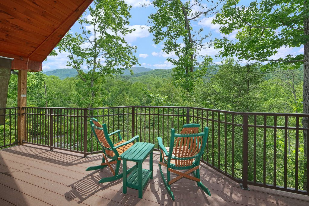 Photo of a Gatlinburg Cabin named Mountain Hideaway - This is the third photo in the set.