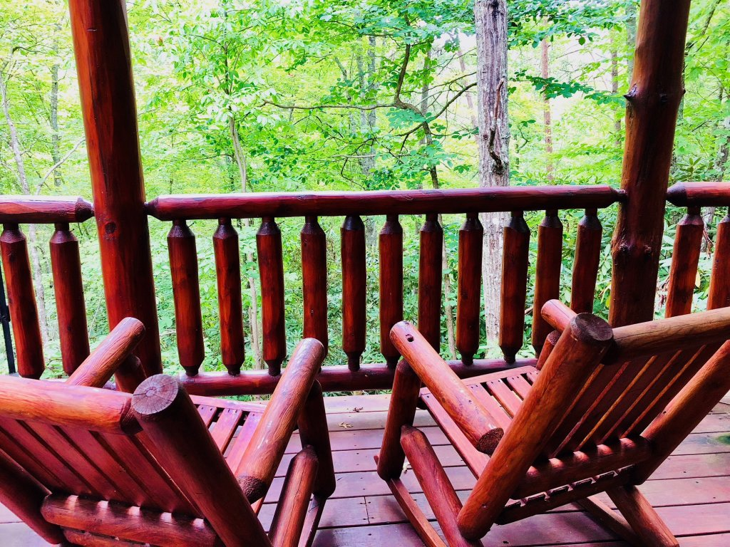 Photo of a Pigeon Forge Cabin named Secluded Escape - This is the fifth photo in the set.