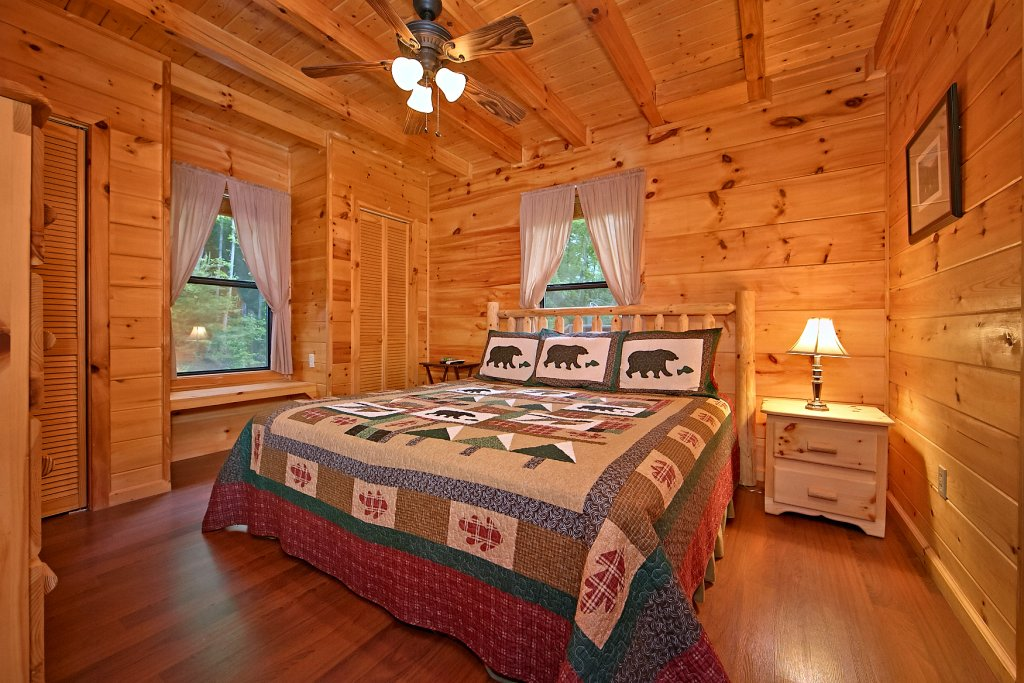 Photo of a Pigeon Forge Cabin named A Bear's Eye View #251 - This is the twentieth photo in the set.