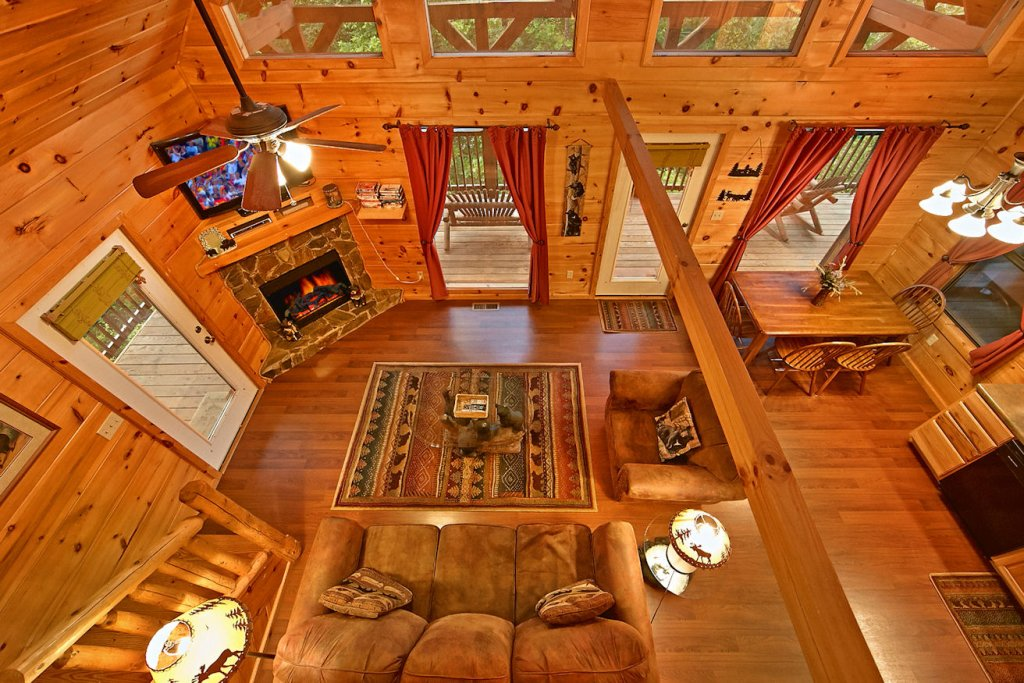 Photo of a Pigeon Forge Cabin named A Bear's Eye View #251 - This is the twenty-seventh photo in the set.