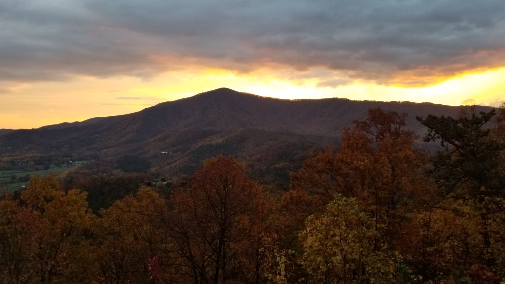Photo of a Pigeon Forge Cabin named Majestic Views - This is the sixth photo in the set.