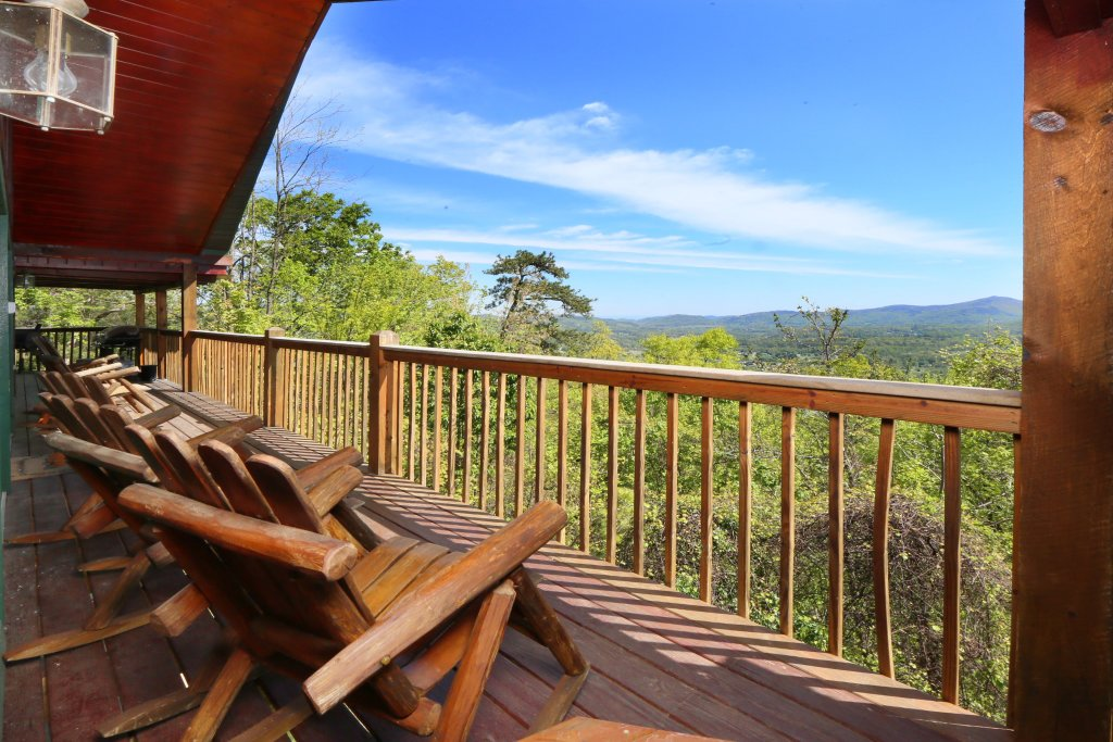 Photo of a Pigeon Forge Cabin named Majestic Views - This is the eighth photo in the set.