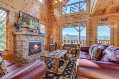 Bella Vista, 3 Bedrooms, Mountain View, Pool Access, Hot Tub, Sleeps 14