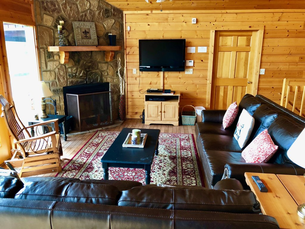 Photo of a Pigeon Forge Cabin named Majestic Views - This is the fifteenth photo in the set.