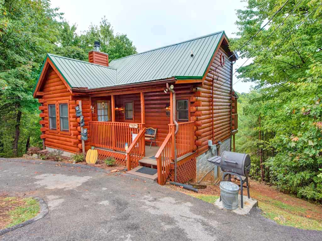 Photo of a Gatlinburg Cabin named Three Bears Cabin - This is the fifteenth photo in the set.