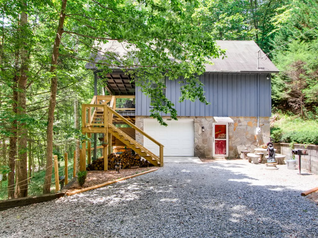 Photo of a Gatlinburg Cabin named Lake Vista Lodge - 248 - This is the seventh photo in the set.