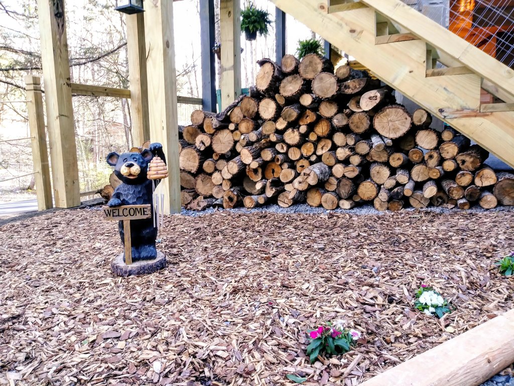 Photo of a Gatlinburg Cabin named Lake Vista Lodge - 248 - This is the thirty-second photo in the set.