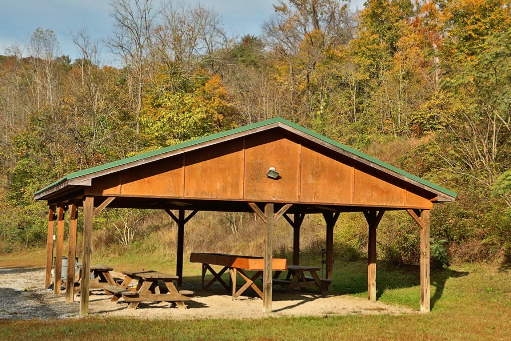 Photo of a Pigeon Forge Cabin named Cedar Falls (#8) - This is the fifty-first photo in the set.