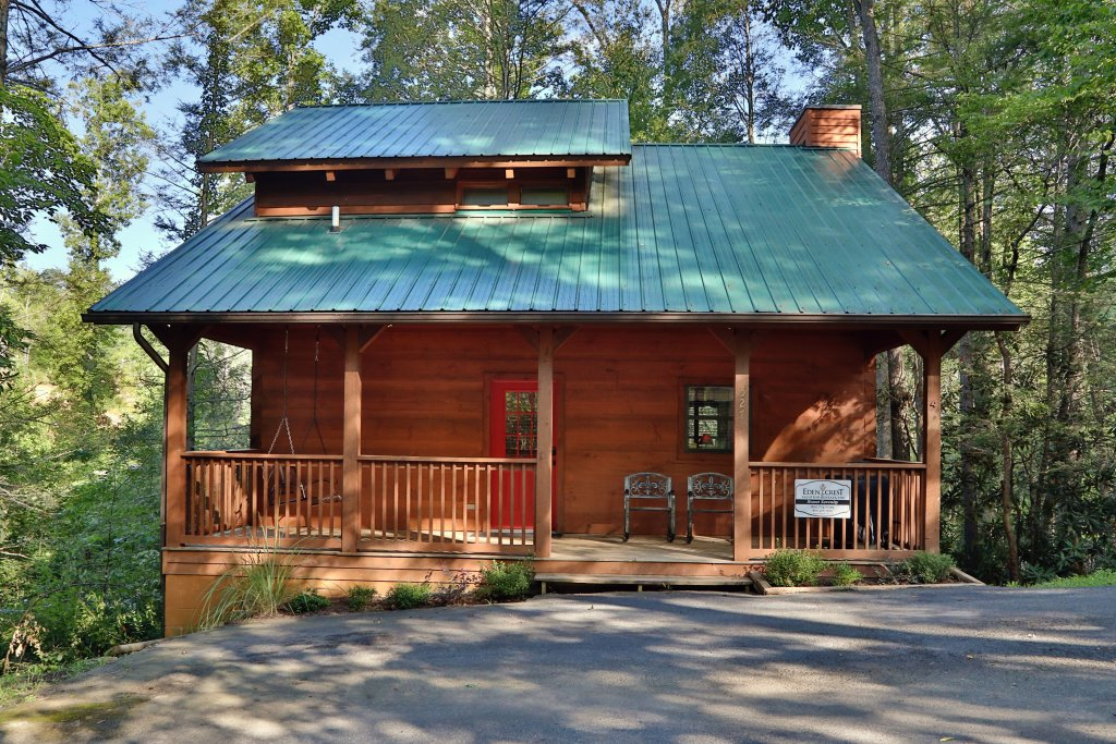 Photo of a Gatlinburg Cabin named Sweet Serenity - This is the first photo in the set.