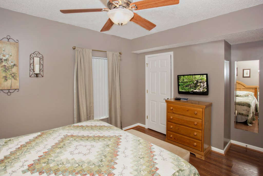 Photo of a Pigeon Forge Condo named Whispering Pines 102hc - This is the eleventh photo in the set.