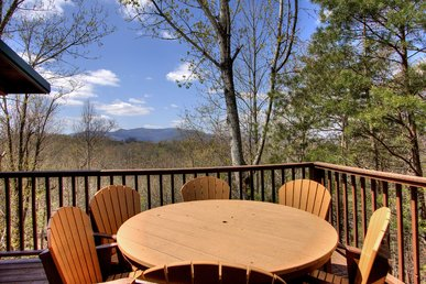 2 Bedroom Secluded Cabin With Awesome Views & Video Arcade Game Room