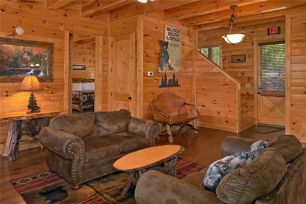 Photo of a Pigeon Forge Cabin named Awesome View Lodge - This is the third photo in the set.