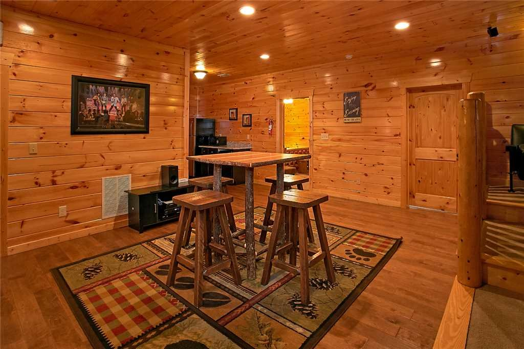 Photo of a Pigeon Forge Cabin named Awesome View Lodge - This is the seventh photo in the set.