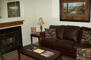 One Bedroom Condo Nestled In The Heart Of Gatlinburg (unit 406)