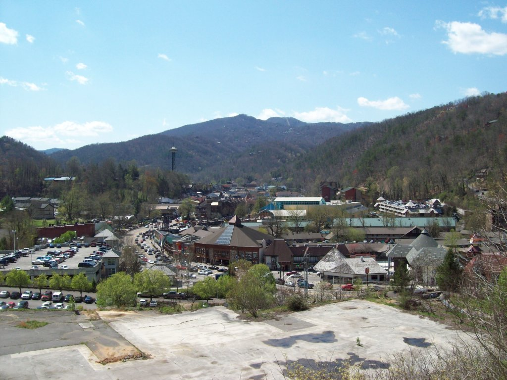 Photo of a Gatlinburg Condo named 402 - This is the second photo in the set.