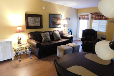 Gatlinburg Chateau Two Bedroom Condo In The Downtown Gatlinburg (unit 107)