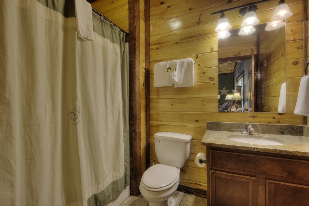 Photo of a Gatlinburg Cabin named Majestic Waters #575 - This is the twenty-first photo in the set.